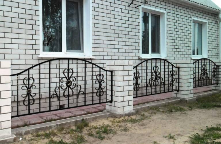 кованые заборчики для палисадника фото более точного результата