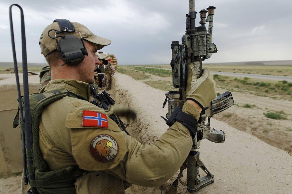 новый норвежский пехотинец фото девчонок ветерок дует