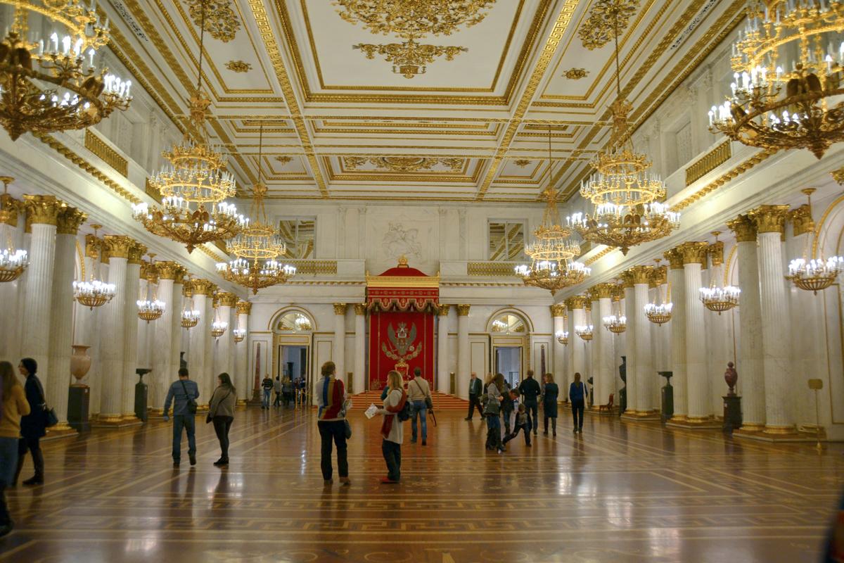 3. Большой тронный зал.