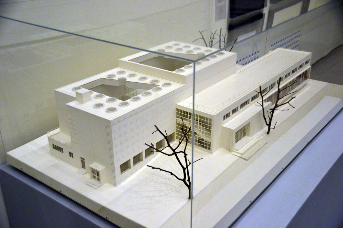 5. Библиотека в Выборге. Этот объект можно осмотреть и сегодня. Всё направлено на минимализм, удобство.